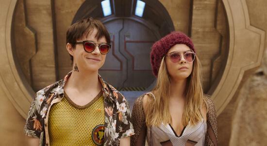 Undercover, Valerian and Laureline arrive at Big Market