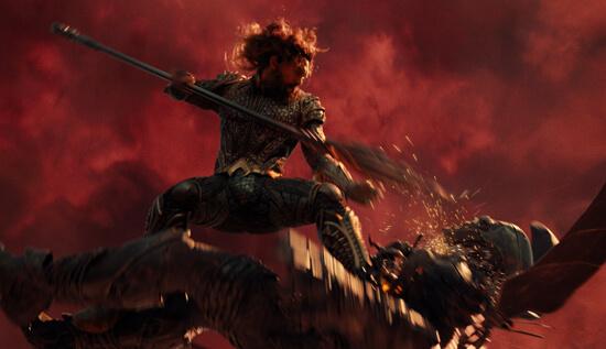 Aquaman fights Steppenwolf