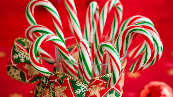 The first candy canes may have been eaten as early as 1670!