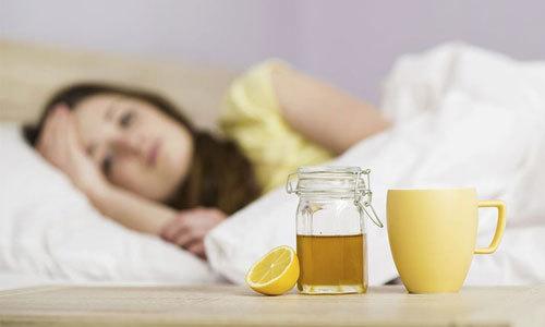 Honey-lemon tea with help soothe your body