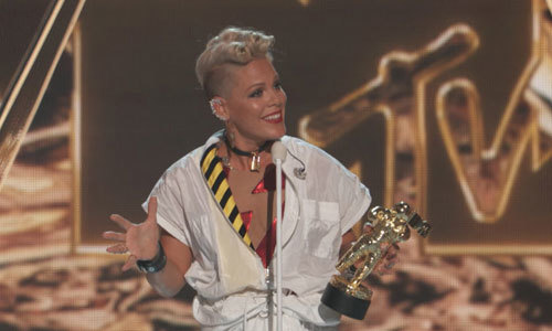 P!nk accepting the Michael Jackson Video Vanguard Award
