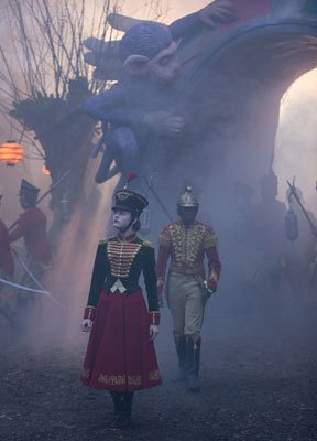 Clara leads Phillip and soldiers into the Fourth Realm