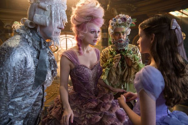 Sugar Plum and the regents tell Clara about the war