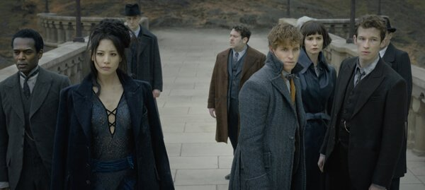 Newt, Theseus, Tina and others at Hogwarts