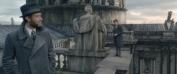 Dumbledore sends Newt to Paris