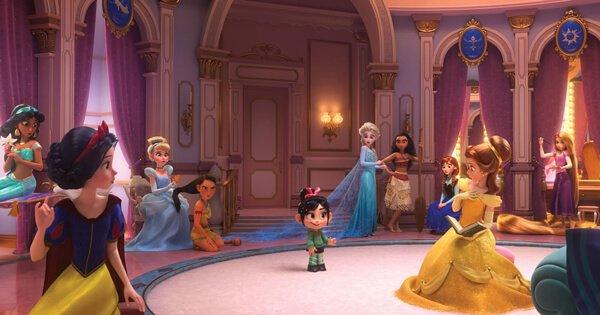 Vanellope greets Disney Princesses