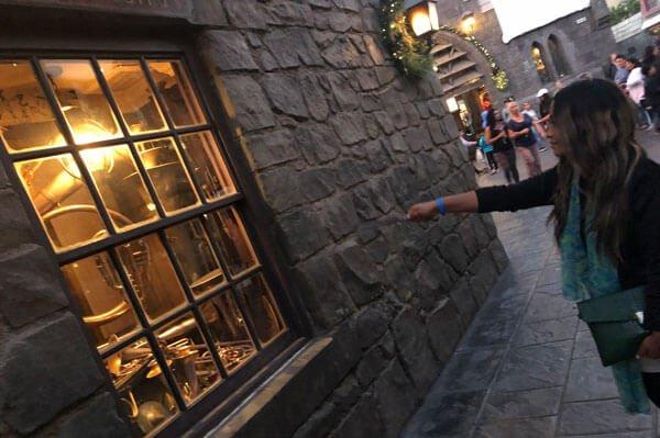 Cast spells throughout Hogsmeade
