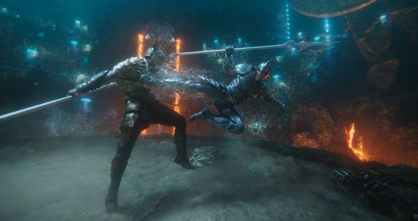 Aquaman/Arthur and Orm fight in the circle of fire