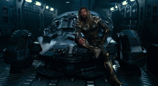 Aquaman is accidentally sitting on Diana's lasso of truth