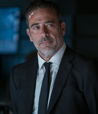 Jeffrey Dean Morgan plays agent Russell