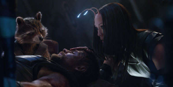 Mantis tries to ease Thor's pain