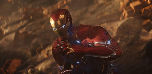 Iron Man struggles against Thanos