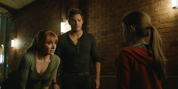 Claire and Owen try to help a young girl