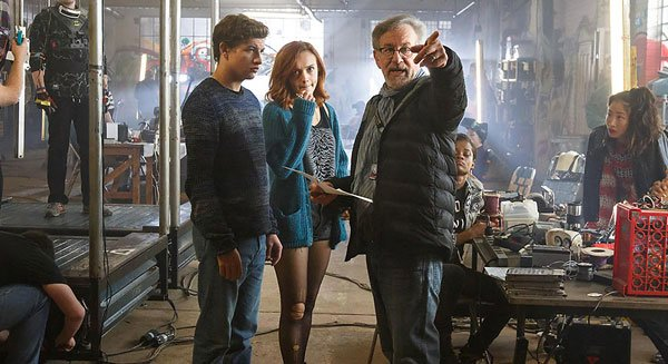 Spielberg directs Tye and Olivia
