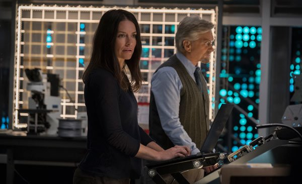 Hank and Hope are ready to open the Quantum tunnel