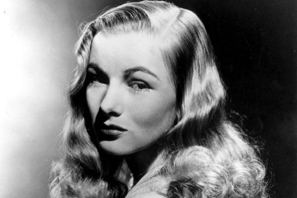 1940s fashion icon Veronica Lake's signature look was her hairstyle