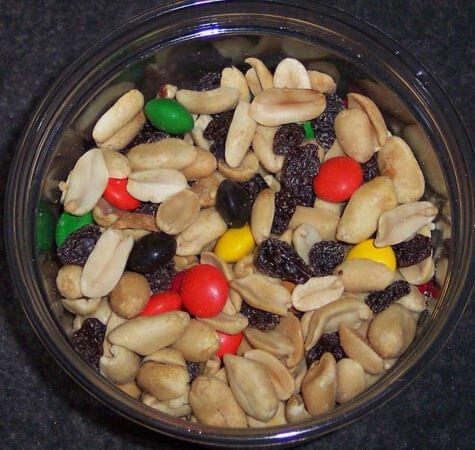 Good old raisins and peanuts!
