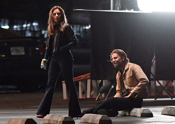 Lady Gaga and Bradley on set