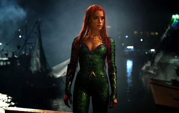 Mera goes ashore to find Arthur/Aquaman