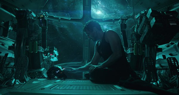 Tony Stark sends a distress signal from The Guardians' ship.