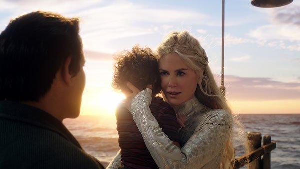 Queen Atlanna with young son Arthur