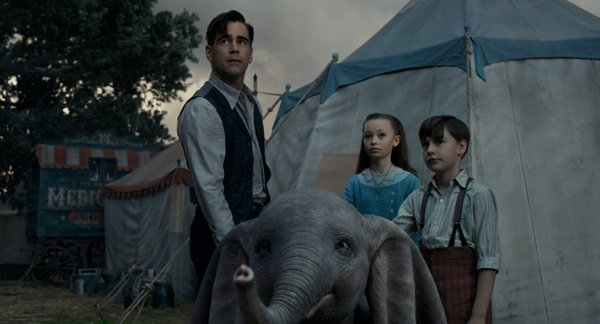 Colin, Nico and Finley play a Dumbo-loving family