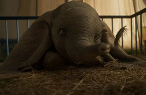 Dumbo Movie Review – High-Flying but Heart-Tugging