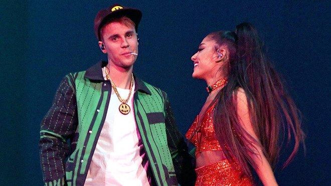 Justin and Ariana performing Sorry at Coachella