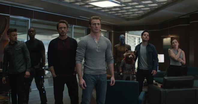 Hawkeye, War Machine, Iron Man, Captain America, Nebula, Rocket, Ant-Man and Black Widow