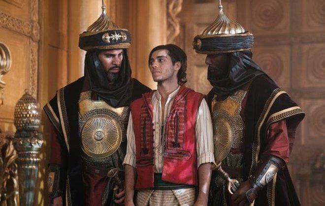 Aladdin is captured by the Royal Guards