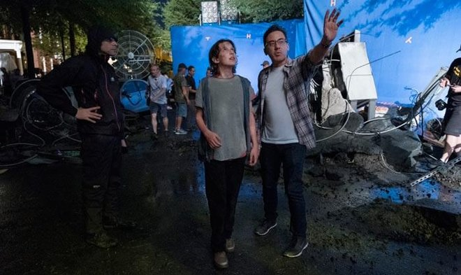 Director Michael Dougherty on set with Millie