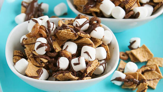 No campfire required! S'mores Snack Mix