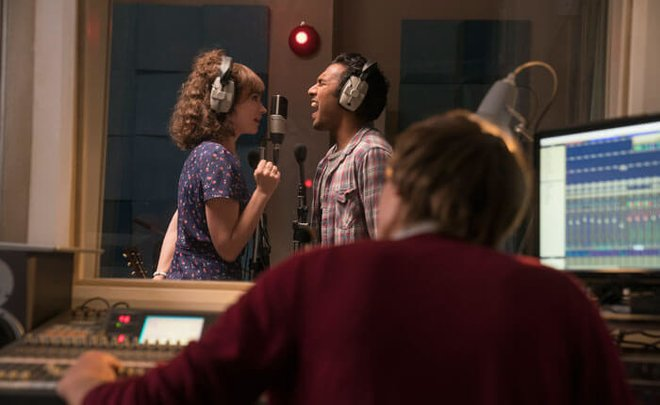 Lily with Himesh in the recording booth scene