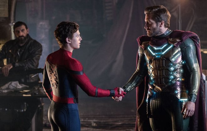 Spider-Man and Mysterio face off in Far From Home.